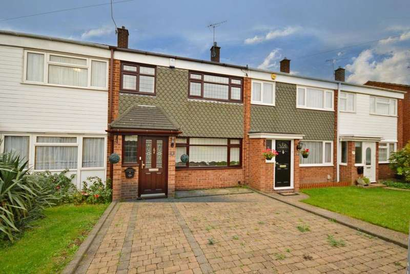 3 Bedrooms Terraced House for sale in Rook Close, Hornchurch, Essex, RM12