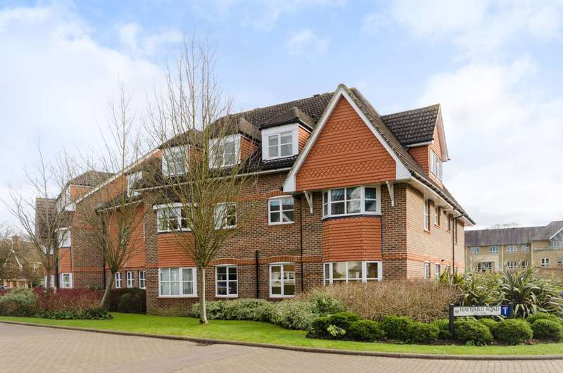 3 Bedrooms Flat for sale in Hayward Road, Thames Ditton, KT7