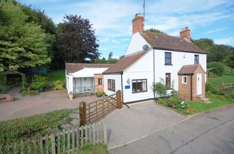 4 Bedrooms Cottage House for sale in Jasmine Cottage, Church Lane, Swaby, Lincolnshire Wolds, LN13