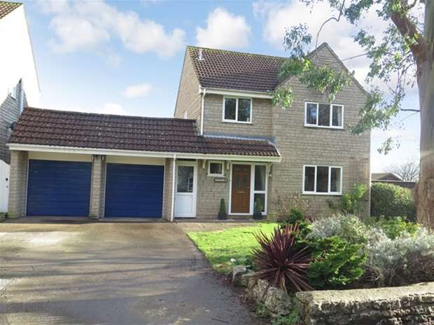 4 Bedrooms Detached House for sale in Station Road