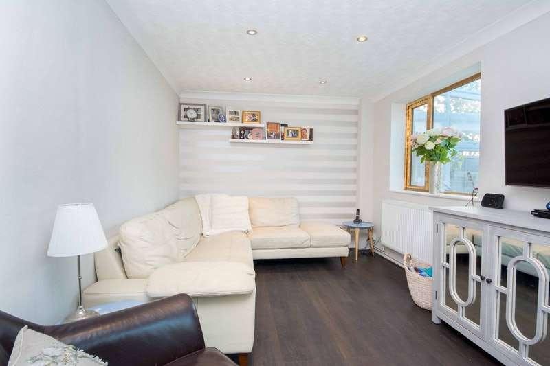 2 Bedrooms Semi Detached House for sale in Fernbank Place, Ascot, Berkshire, SL5