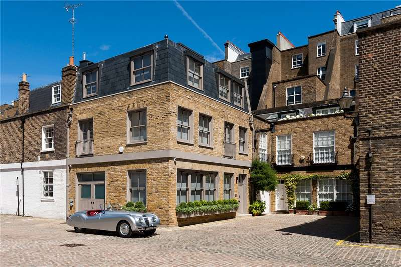 3 Bedrooms Mews House for sale in Queen's Gate Place Mews, London, SW7