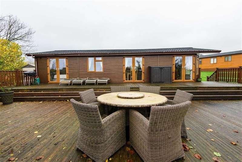 2 Bedrooms Chalet House for sale in Lodge 9, Top Thorn Farm, Whinfell, Cumbria
