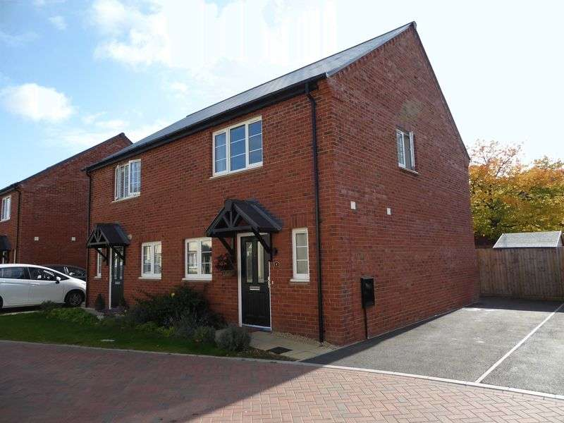 3 Bedrooms Property for sale in Hampden Square, Upper Heyford