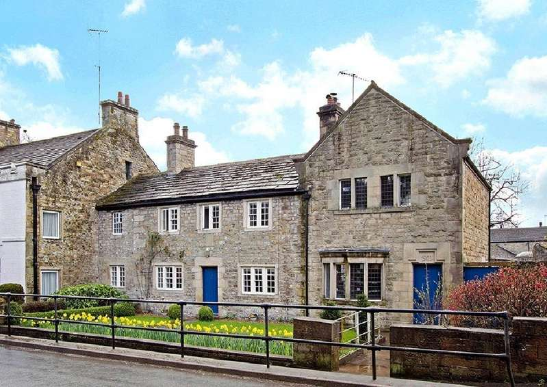 4 Bedrooms Unique Property for sale in The Old Post Office, 45 Main Street, Hornby, Lancs