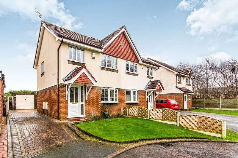 3 Bedrooms Semi Detached House for sale in Occleston Close, Sale, M33