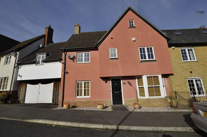 3 Bedrooms Semi Detached House for sale in Abell Way, Chelmsford