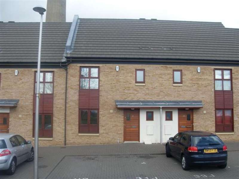 3 Bedrooms Terraced House for rent in Park Corner, St James