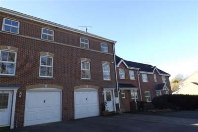 4 Bedrooms Town House for rent in Tristram Close, Knightwood Park