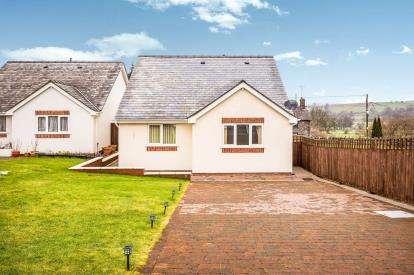 2 Bedrooms Bungalow for sale in Maes Glyndwr, Cynwyd, Corwen, Denbighshire, LL21