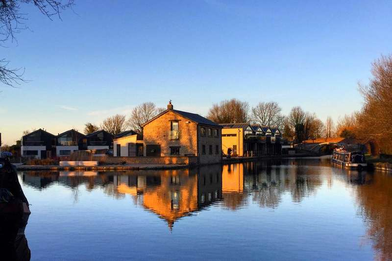 3 Bedrooms Detached House for sale in Marsworth Wharf, Marsworth