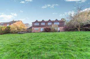 5 Bedrooms Detached House for sale in Priory Close, East Farleigh, Maidstone, Kent