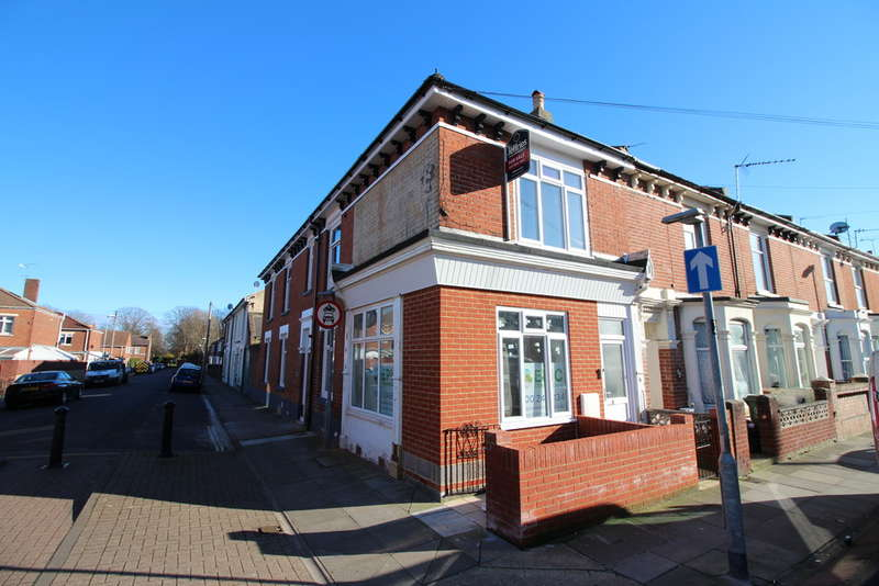 2 Bedrooms Flat for sale in Shearer Road, Portsmouth