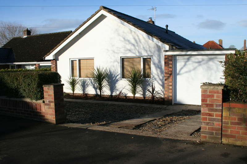 4 Bedrooms Detached Bungalow for sale in IRVING ROAD, NORWICH NR4