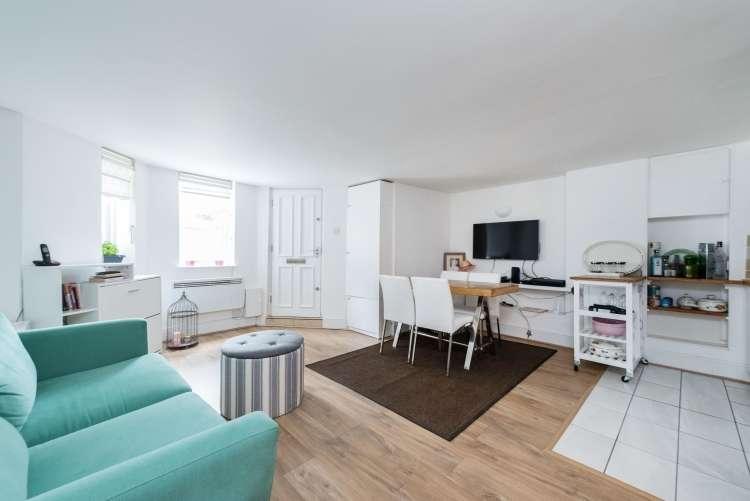 1 Bedroom Flat for sale in Pepys Road London SE14