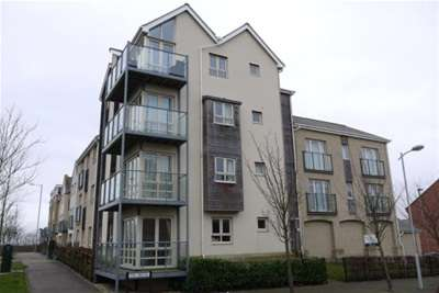 2 Bedrooms Flat for rent in Fox Brook St Neots Loves Farm