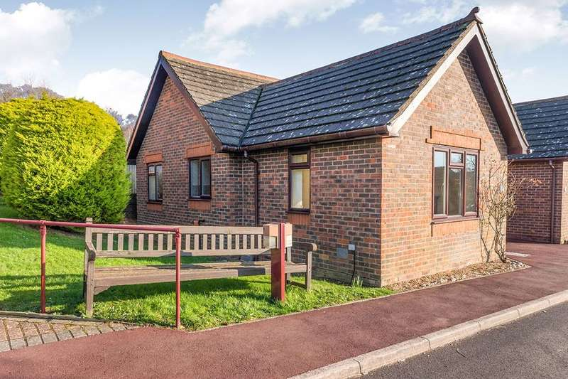 1 Bedroom Semi Detached Bungalow for sale in Alexandra Road, Heathfield, TN21