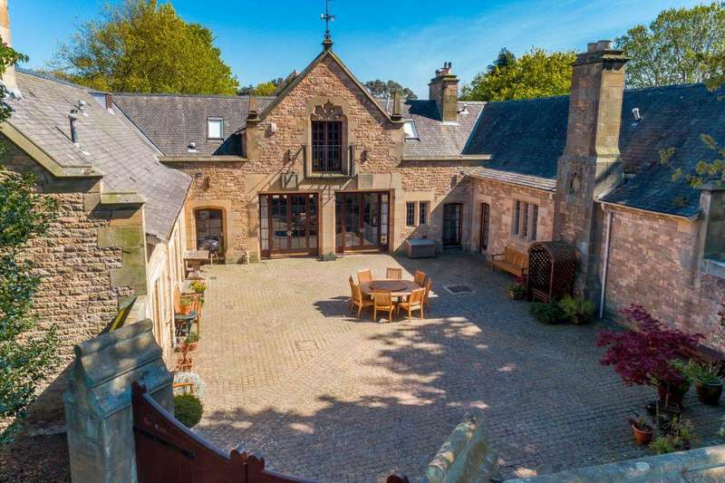 5 Bedrooms Detached House for sale in The Stables, Carlekemp, Abbotsford Road, North Berwick, EH39 5DA