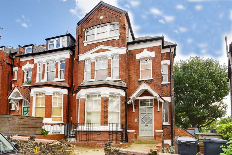 3 Bedrooms Flat for sale in Church Crescent, Muswell Hill, London