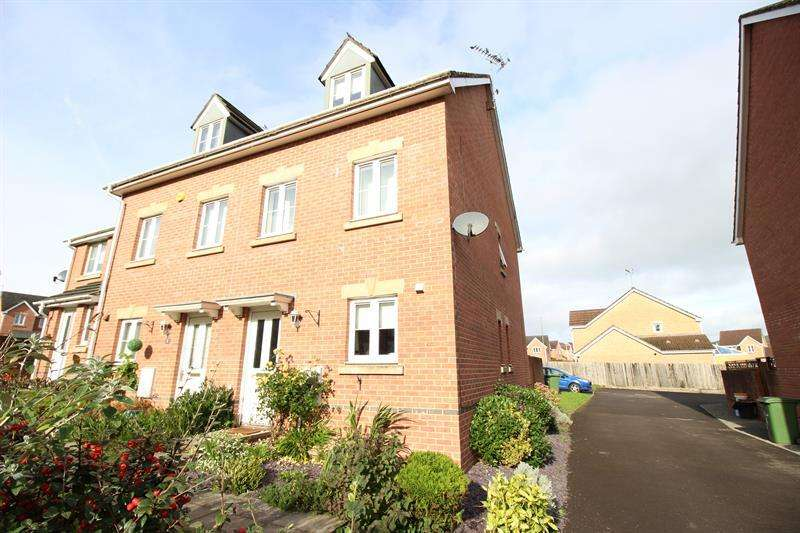 3 Bedrooms Semi Detached House for sale in Black Prince Road, Caerphilly