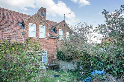 2 Bedrooms Terraced House for sale in High Street, East Runton, Cromer