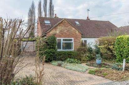 3 Bedrooms Semi Detached House for sale in Stapleford, Cambridge