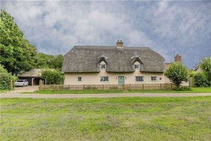 4 Bedrooms Cottage House for sale in Barrington, Cambridge