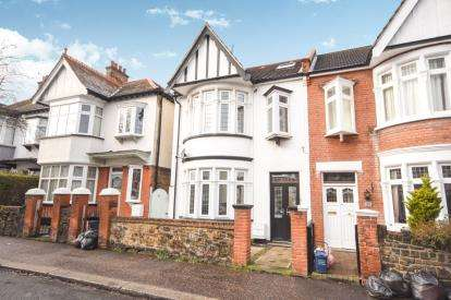 5 Bedrooms End Of Terrace House for sale in Westcliff-On-Sea, Essex, .