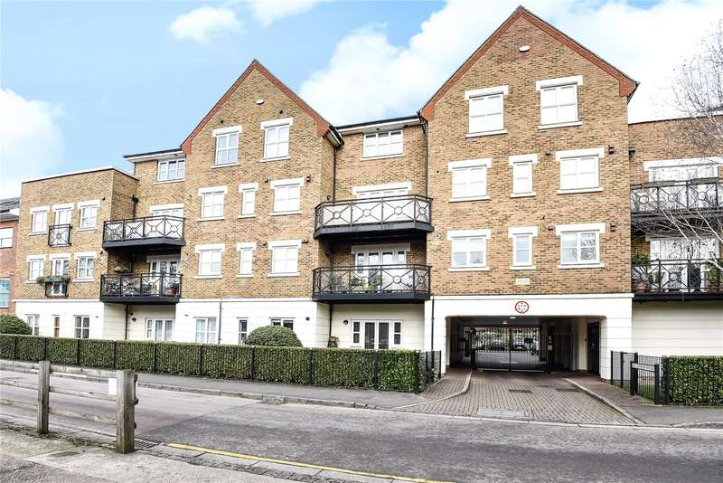 2 Bedrooms Penthouse Flat for sale in Millennium Wharf, Wharf Lane, Rickmansworth, Hertfordshire, WD3