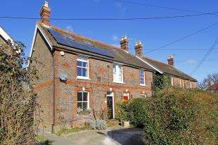 3 Bedrooms Semi Detached House for sale in High Street, Partridge Green, Horsham, West Sussex