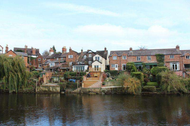 2 Bedrooms Terraced House for sale in Coton Hill, Shrewsbury, SY1 2DZ