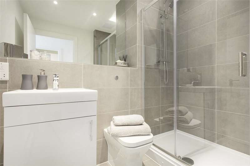 1 Bedroom Flat for sale in Talbot Skyline, 204-226 Imperial Drive, Harrow, Middlesex, HA2