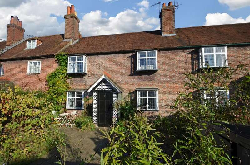 4 Bedrooms Terraced House for sale in Witley