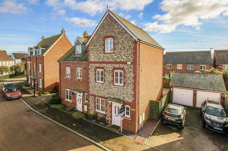 3 Bedrooms Semi Detached House for sale in Angmering