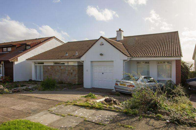 5 Bedrooms Detached Bungalow for sale in Lynmouth Drive, Sully