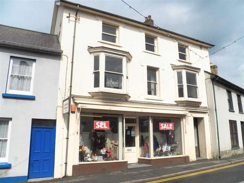 4 Bedrooms Town House for sale in Water Street, NEWCASTLE EMLYN