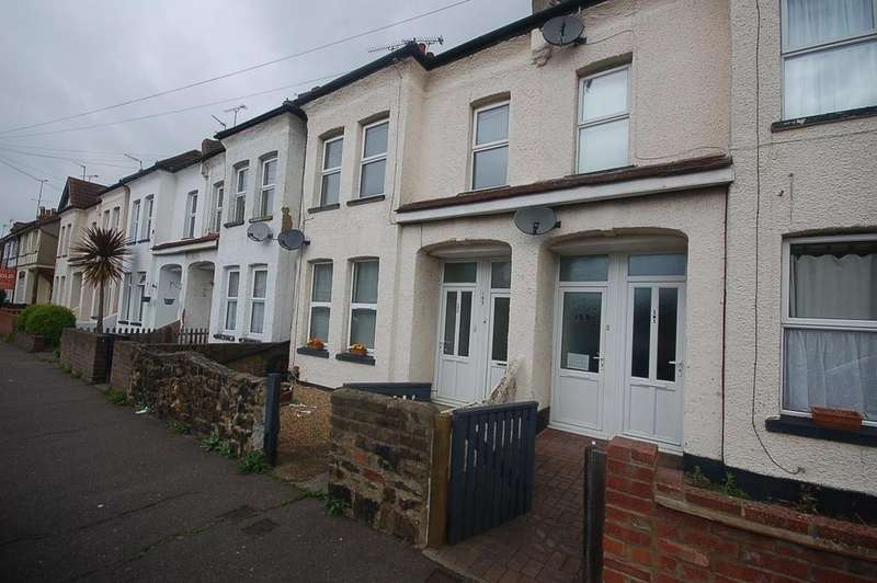 2 Bedrooms Flat for sale in Stornoway Road, Southend-On-Sea