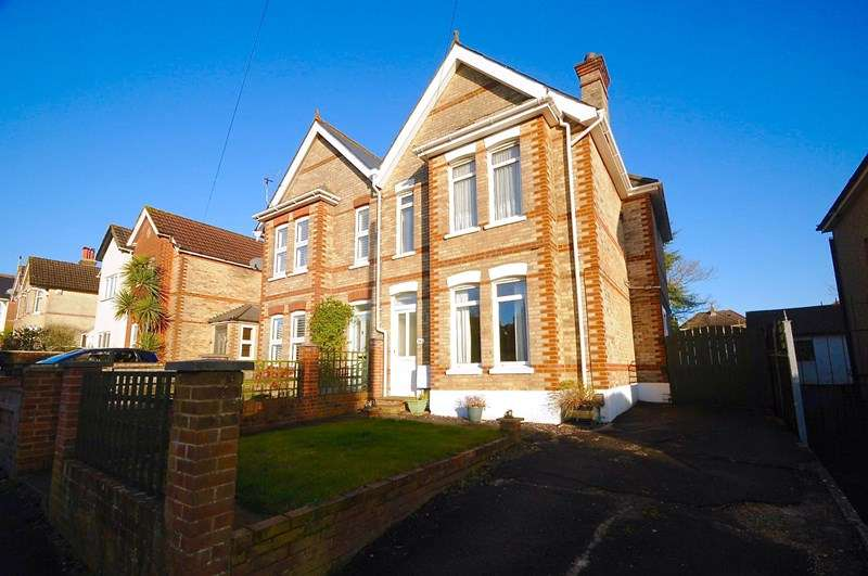 3 Bedrooms Semi Detached House for sale in Vale Road, Parkstone, Poole