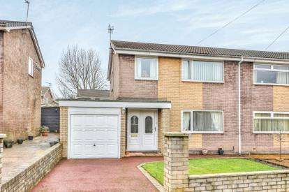 3 Bedrooms Semi Detached House for sale in Andelen Close, Hapton, Lancashire, BB11