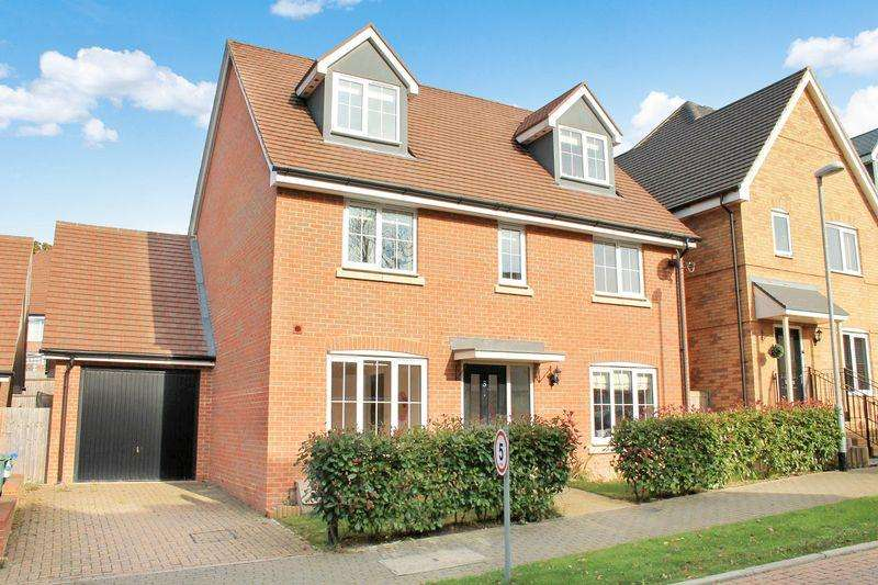 5 Bedrooms Detached House for sale in The Alders, Billingshurst