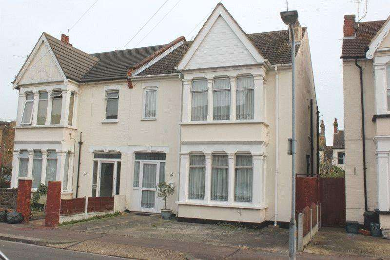 4 Bedrooms Semi Detached House for sale in Elderton Road, Westcliff-On-Sea