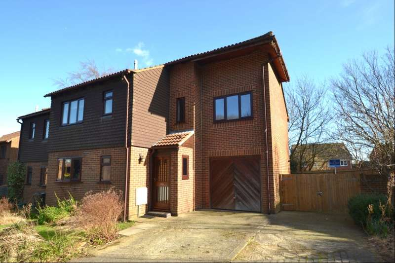 4 Bedrooms Semi Detached House for sale in Bellgrove Court, Walderslade Woods, Chatham, ME5