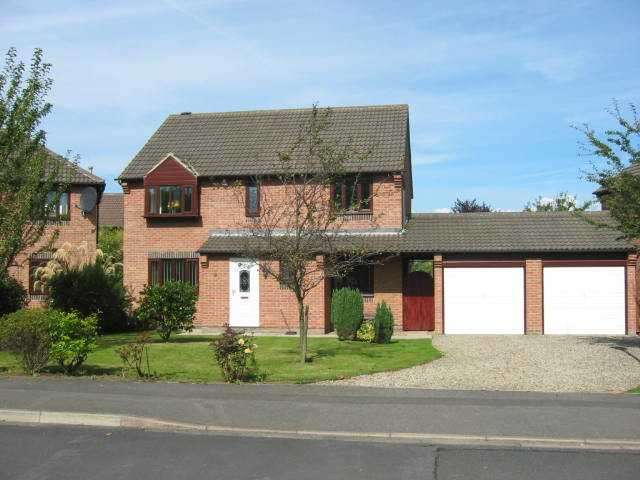 4 Bedrooms House for rent in Oughton Close, Yarm, TS15 9SZ