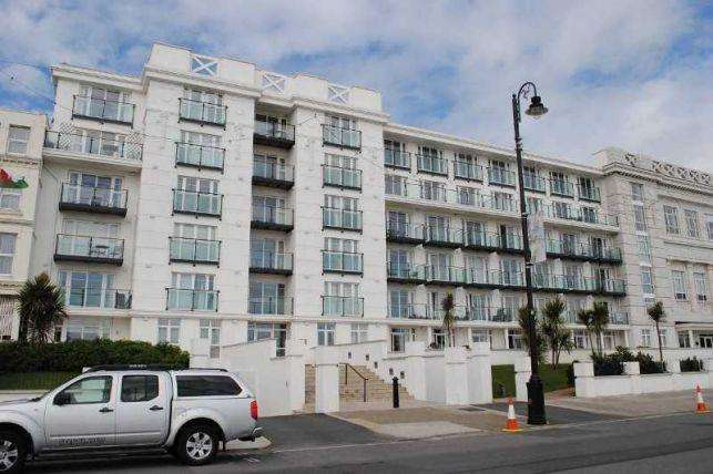 2 Bedrooms Apartment Flat for sale in Spectrum Apartments, Central Promenade, Douglas, IM2 4LL