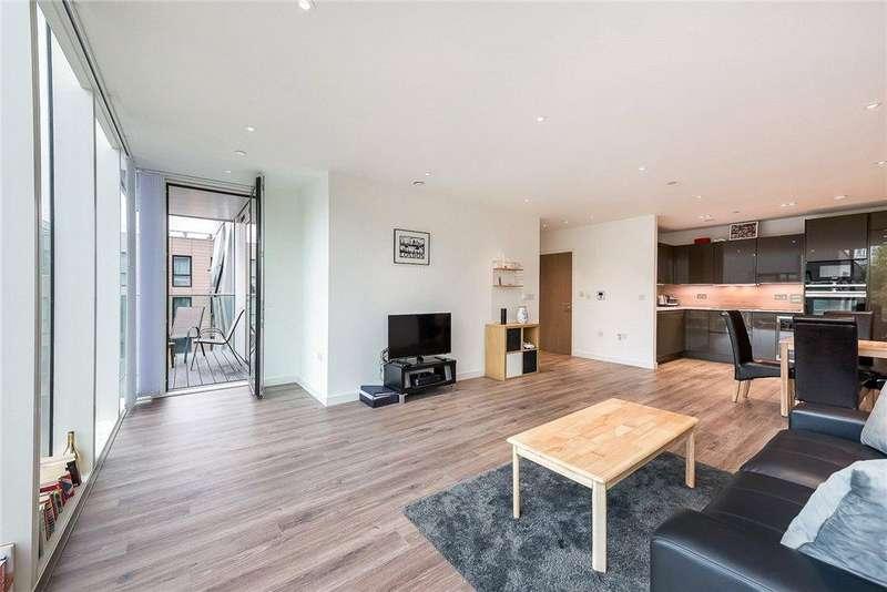 1 Bedroom Flat for sale in Skyline Apartments, Devan Grove, Manor House, London, N4