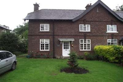 4 Bedrooms Cottage House for rent in Dairy Farm Cottage, Appleton, Warrington