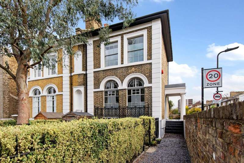 3 Bedrooms Semi Detached House for sale in Queensbridge Road, Hackney, London E8
