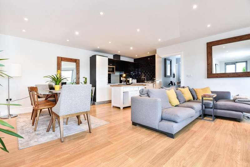 2 Bedrooms Flat for sale in Willow Way, Sydenham