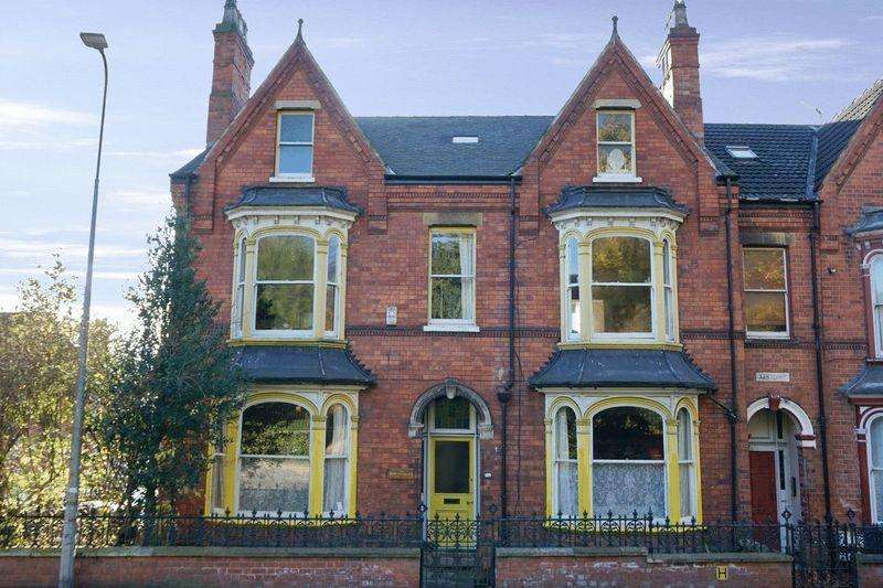 8 Bedrooms End Of Terrace House for sale in Monks Road, Lincoln