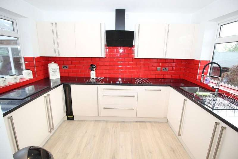4 Bedrooms Detached House for sale in Church Road, Altofts